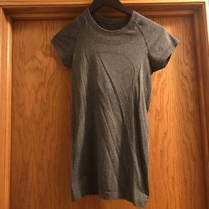 Lululemon Short Sleeve Swiftly, Size 4